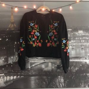 Embroidered Flower Crew Sweatshirt